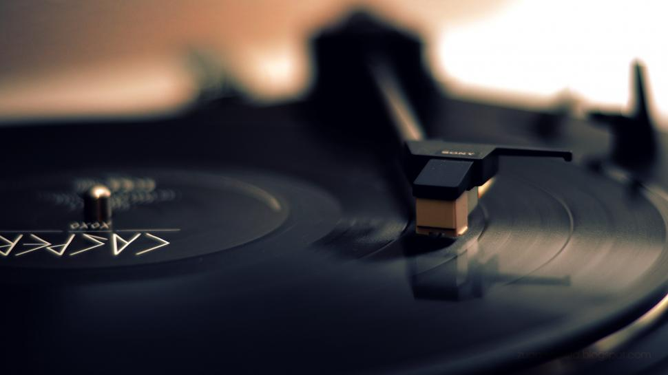 Access to Quality Turntable for Better Music Experience